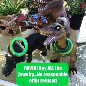 Jewelry - Rawr! Buy All The Jewelry!!